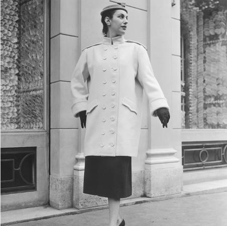 Design by Cristobal Balenciaga, 1954. © Bettmann/CORBIS.