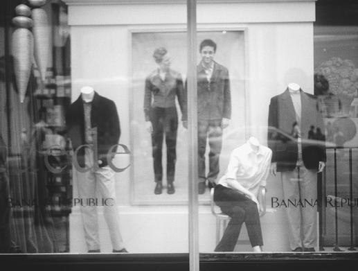 Display window at a Banana Republic store, 1998. © Fashion Syndicate Press.