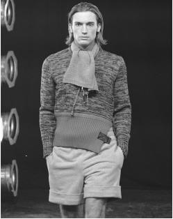 Dirk Bikkembergs, fall/winter 1996-97 collection: knitted sweater and wool shorts. © AP/Wide World Photos.
