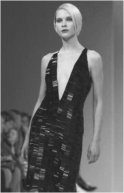 Nicole Farhi, winter 2001 collection: beaded evening dress. © AFP/CORBIS.