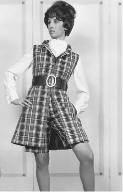 Fontana, spring/summer 1968 collection: wool plaid waistcoat over matching Bermuda wool shorts and a crêpe silk blouse. © AP/Wide World Photos.