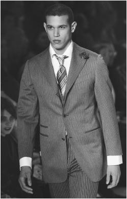 Romeo Gigli, fall/winter 2001 collection: wool suit. © AP/Wide World Photos.