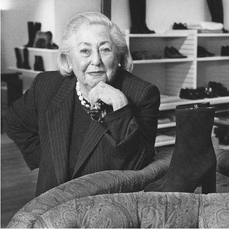 Joan Helpern in a Joan & David showroom, 1999. © AP/Wide World Photos.
