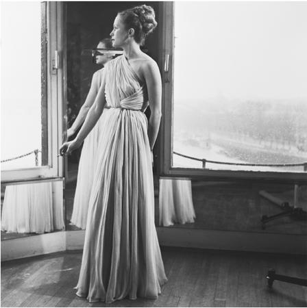 Mad Carpentier, 1946 collection: chiffon evening gown. © Genevieve Naylor/CORBIS.