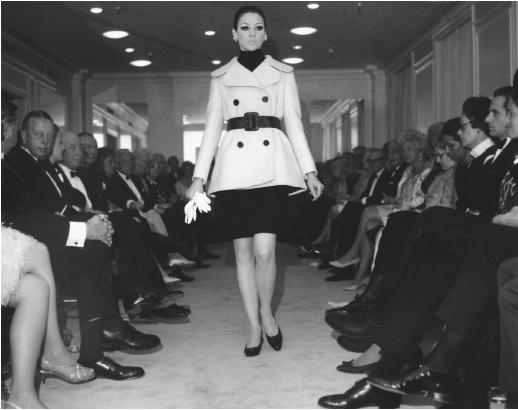 Norman Norell, fall 1968 collection. © AP/Wide World Photos.