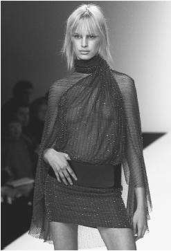 Mila Schön, autumn/winter 2001-02 ready-to-wear collection. © AFP/CORBIS.