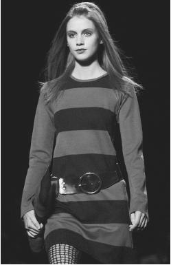 Anna Sui, fall 2001 collection: wool knit dress. © AP/Wide World Photos.