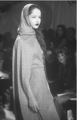 Isabel Toledo, fall 1998 collection. © Fashion Syndicate Press.